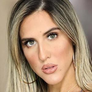 Sheyla Flores 3 of 5
