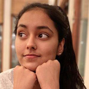 Shivani Paliwal 3 of 5