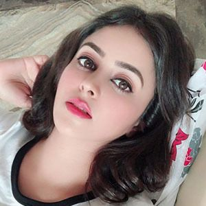 Shobhita Rana 2 of 5