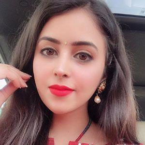 Shobhita Rana 3 of 5
