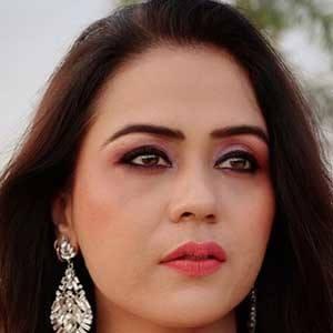 Shruti Wahi 2 of 5