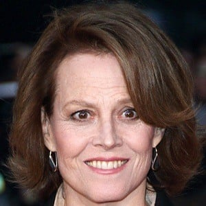 Sigourney Weaver 6 of 10