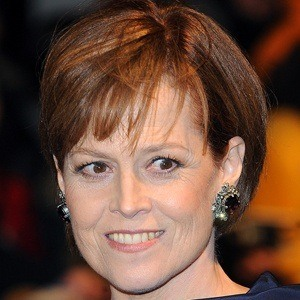 Sigourney Weaver 8 of 10