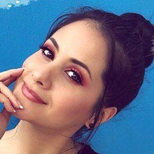 Silvana Arias 5 of 6