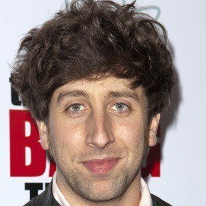 Simon Helberg 2 of 8