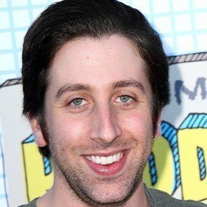 Simon Helberg 3 of 8