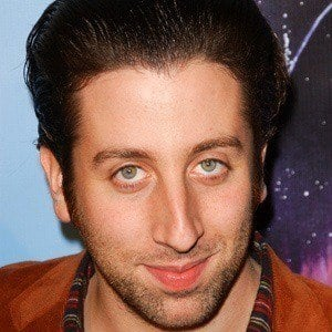 Simon Helberg 5 of 8