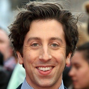 Simon Helberg 6 of 8
