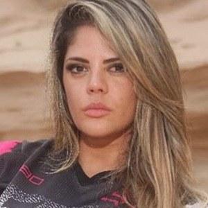 Simone Villar 3 of 6