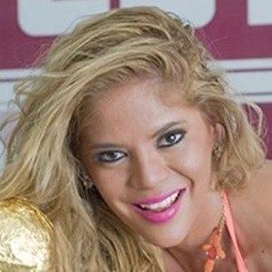 Simone Villar 5 of 6