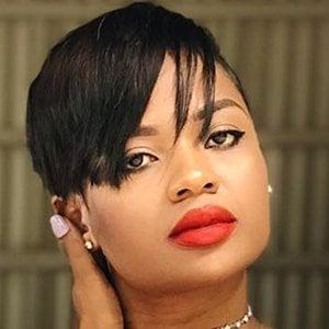 Sindi Dlamini 2 of 6