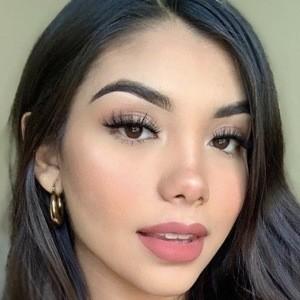 Sofia Donoso Headshot 4 of 10
