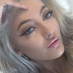 Sofia Karlberg 4 of 5