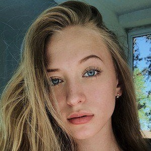 Sophia Diamond 2 of 5