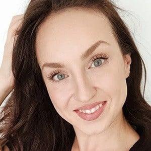 Sophie Bennett 2 of 6