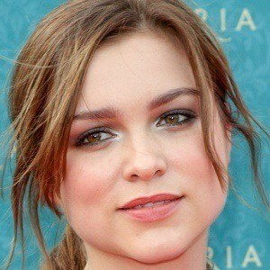 Sophie Cookson 4 of 5