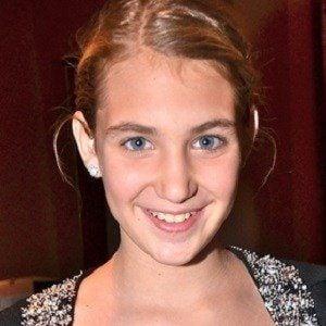 Sophie Nelisse 3 of 8