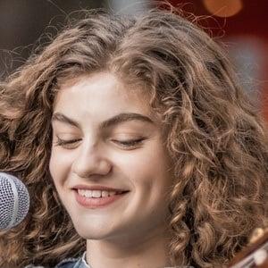 Sophie Pecora 5 of 8