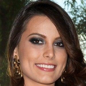 Stefanía Fernández 3 of 9