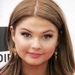 Stefanie Scott 5 of 10