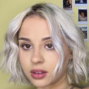 Stephanie Fisogni Headshot 6 of 10