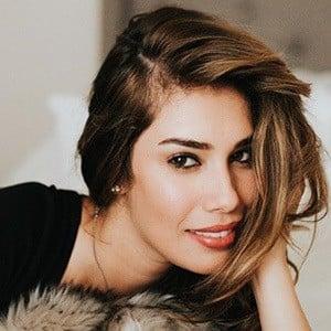 Stephanie González 3 of 5