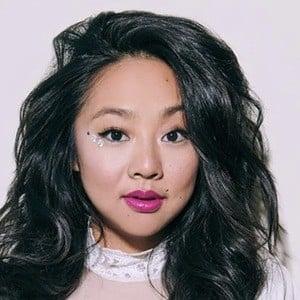 Stephanie Hsu 4 of 6