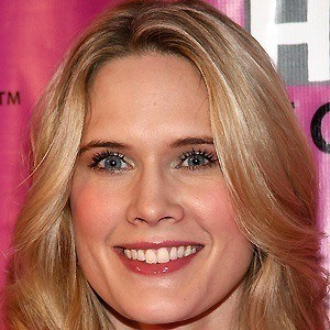 Stephanie March 4 of 9