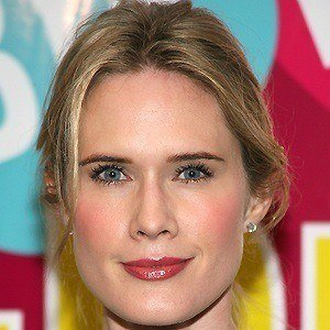 Stephanie March 5 of 9