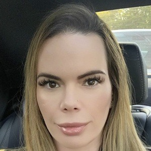 Stephanie Nicole Headshot 10 of 10