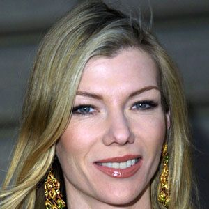 stephanie niznik dating After dr brown's (series star treat williams) declaration of love for nina (series star stephanie niznik), she must choose between the two men she loves--dr brown and jake (recurring guest.