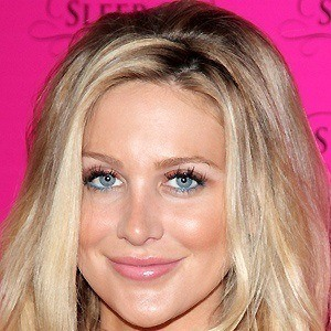 Stephanie Pratt 2 of 10