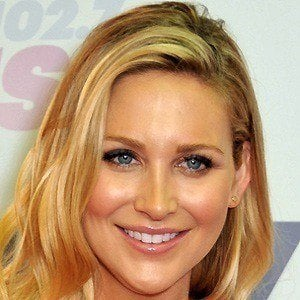 Stephanie Pratt 3 of 10
