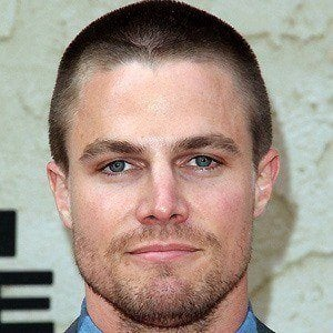 Stephen Amell 2 of 10