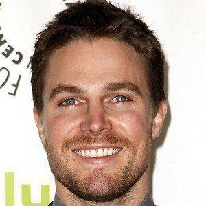 Stephen Amell 3 of 10