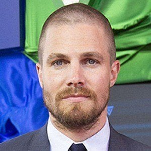 Stephen Amell 10 of 10