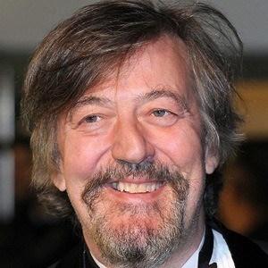 Stephen Fry 4 of 10