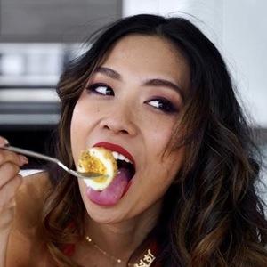 Sulhee Jessica Headshot 5 of 7