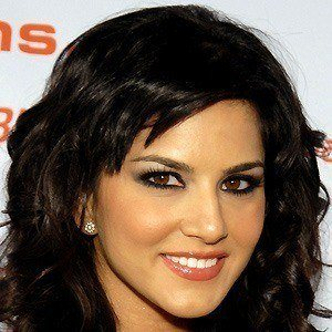 Sunny Leone 4 of 5