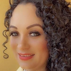 Susy Rios Headshot 3 of 10