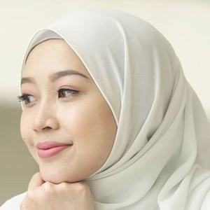 Syaima Halim 6 of 6