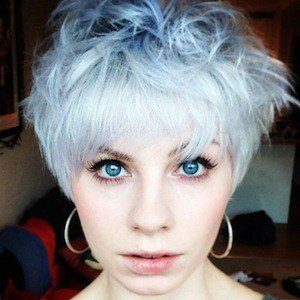 Sydney Rae White Headshot 5 of 5