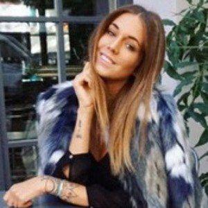 Talisa Loup 2 of 4