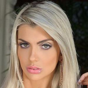 Talita Cogo Headshot 5 of 6
