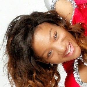 Tanesha Roberts 3 of 7