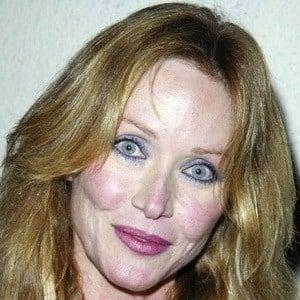 Tanya Roberts - Bio, Facts, Family | Famous Birthdays