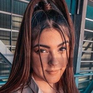 Tatiana Fernández 4 of 5