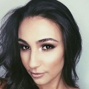 Tayla Damir 6 of 6