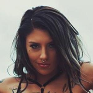 Tayla Novelli 4 of 6