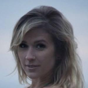 Taylor Dee Headshot 3 of 4